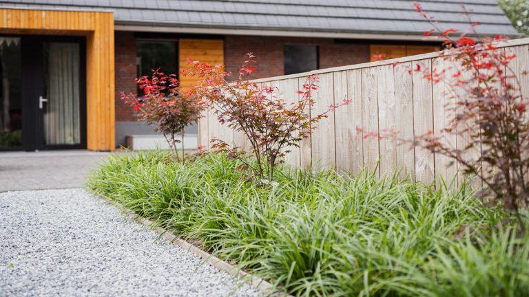 strak landelijk tuin bloemperk